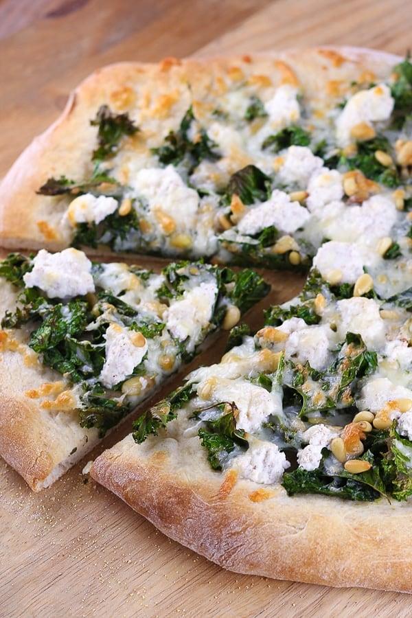 kale pizza feat image