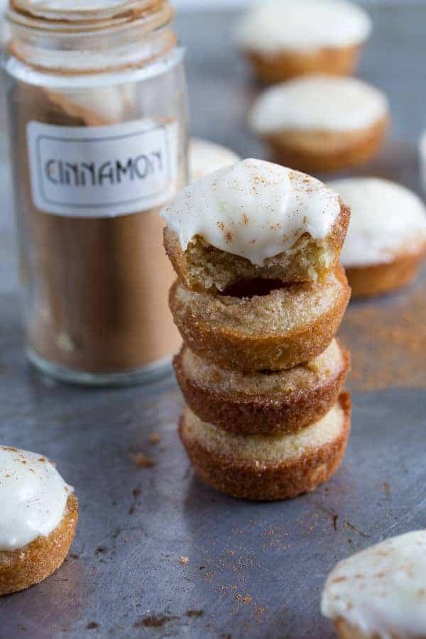Cinnamon Roll Blondie Bites