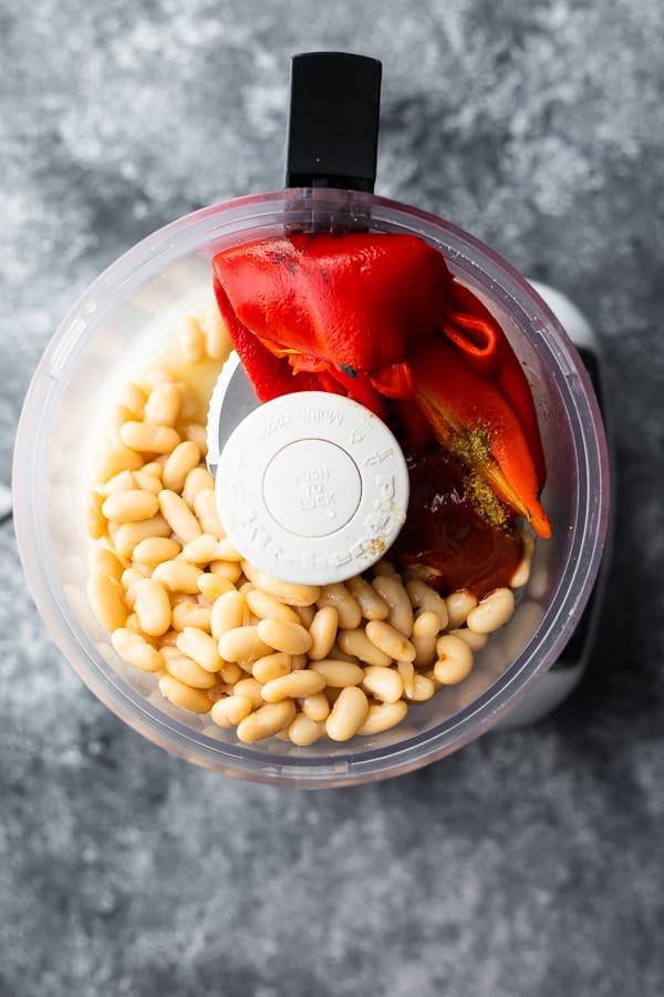 roasted red pepper dip in food processor before blending