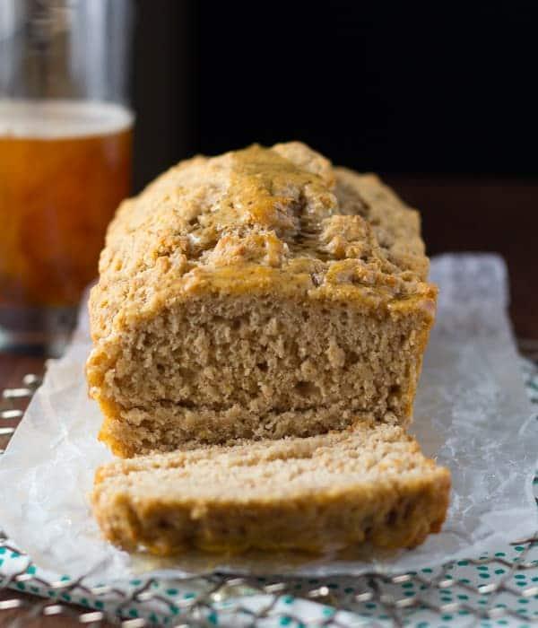 Honey Rye Beer Bread | @sweetpeasaffron