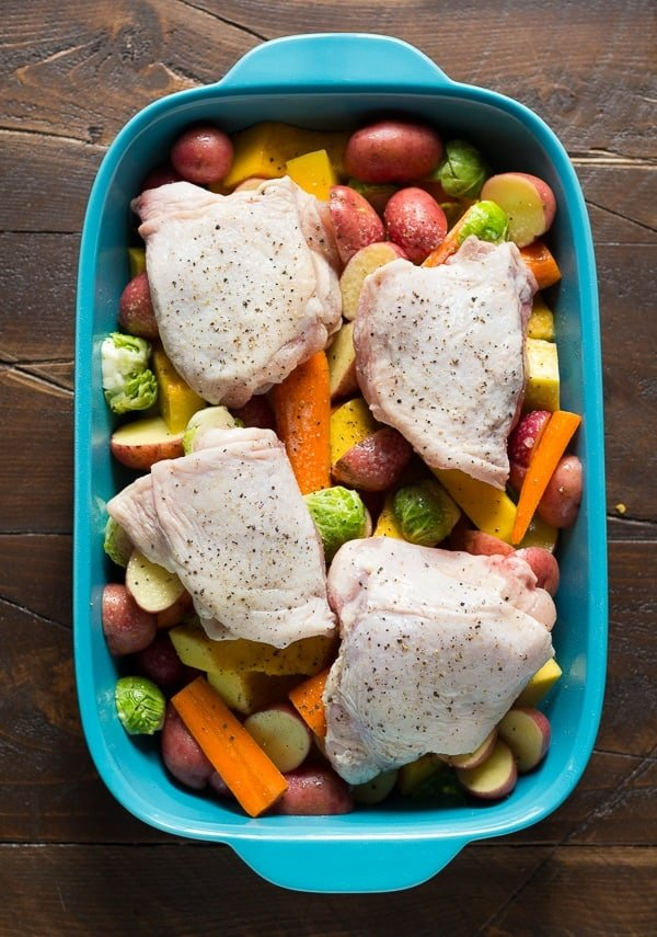 Honey-Miso Roast Chicken and Vegetables (one pan!) only 15 minutes prep work for this healthy and delicious dinner recipe @sweetpeasaffron