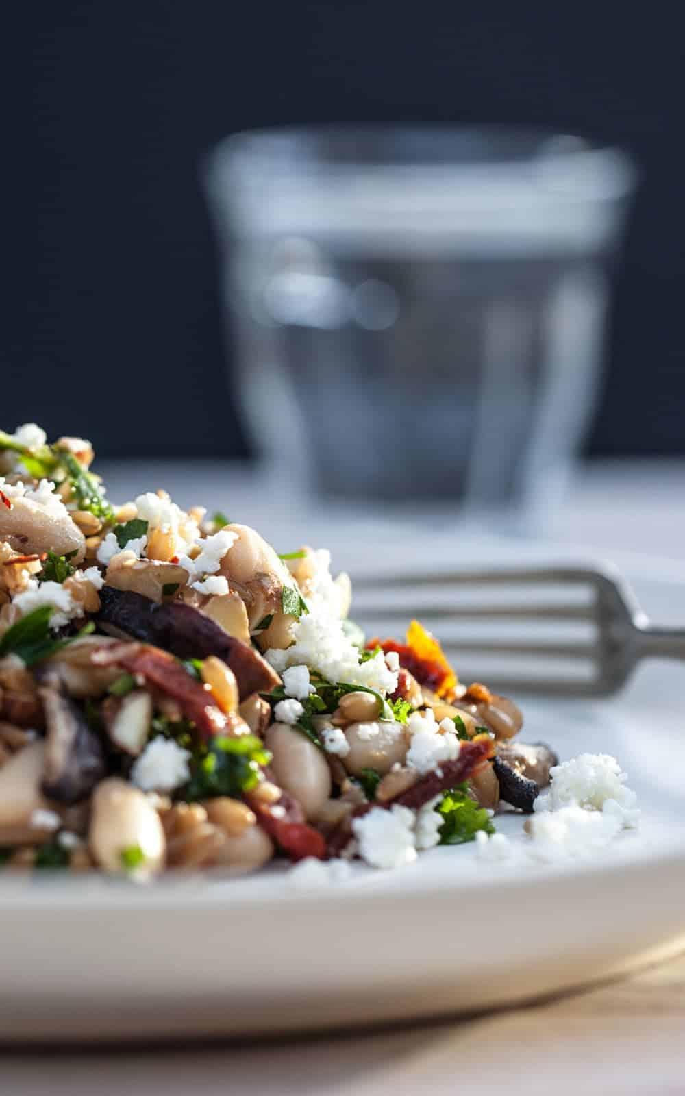 Farro+Pilaf+with+Mushrooms,+White+Beans+and+Kale+-+Natural+Girl+Modern+World+-+8