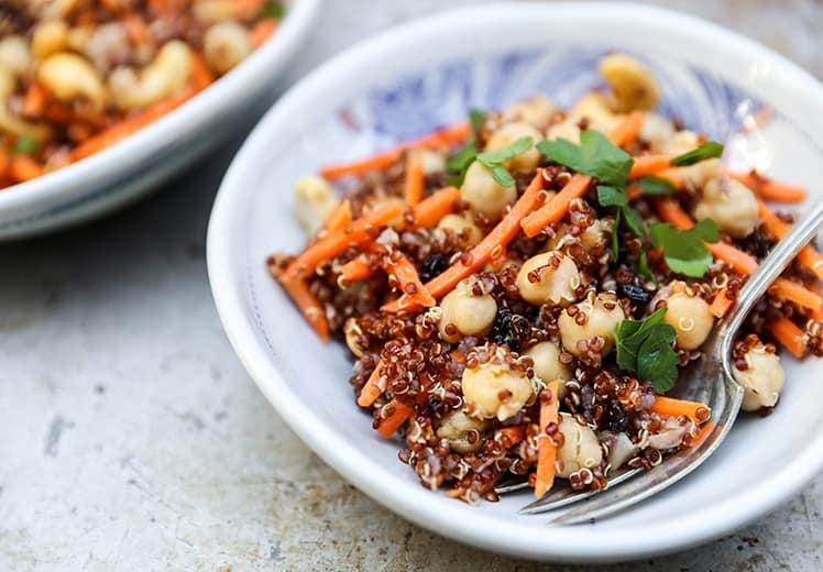 14. Red Quinoa and Carrot Salad with Currants, Chickpeas and Carrots ...