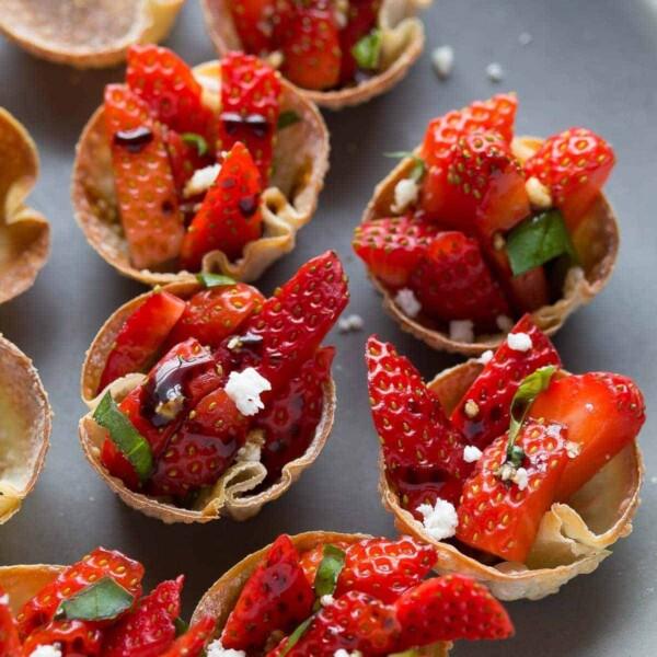 rows of strawberry balsamic wonton bites