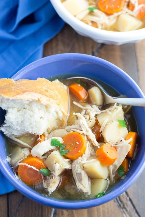 Healthy slow cooker chicken recipes prove that comfort food can be both healthy and easy to prepare! Plus tips for cooking your chicken in the crock pot.