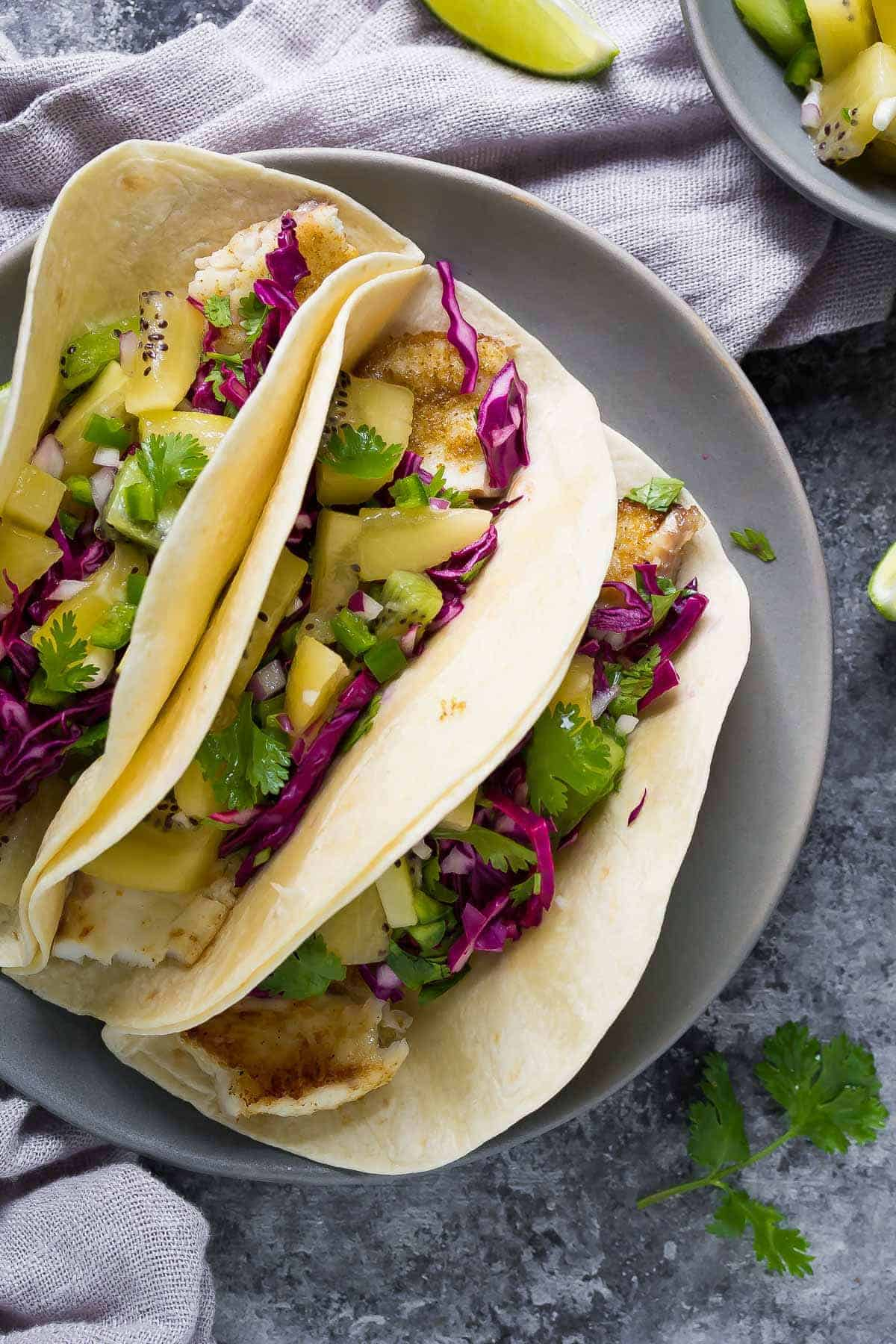 Grilled fish tacos with jalapeno kiwi salsa