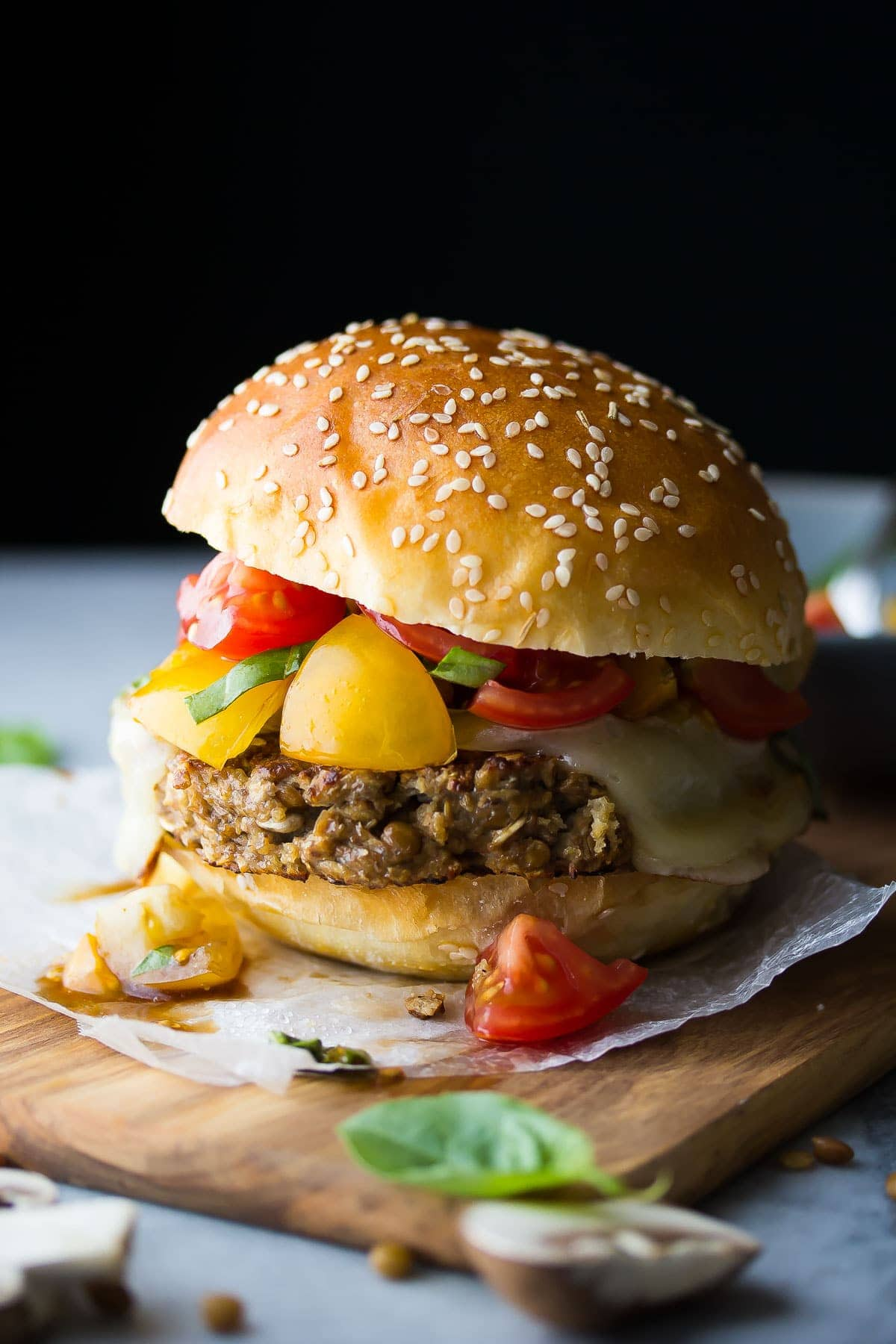 Mushroom and Lentil Bruschetta Burger: this healthy veggie burger is ready in 30 minutes!