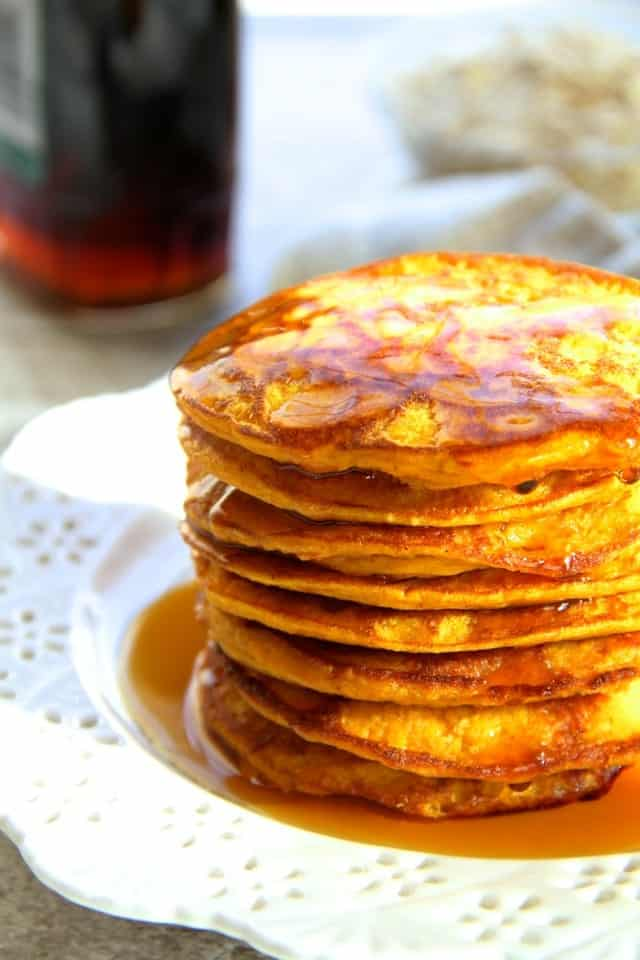 Pumpkin-Spice-Greek-Yogurt-Pancakes3