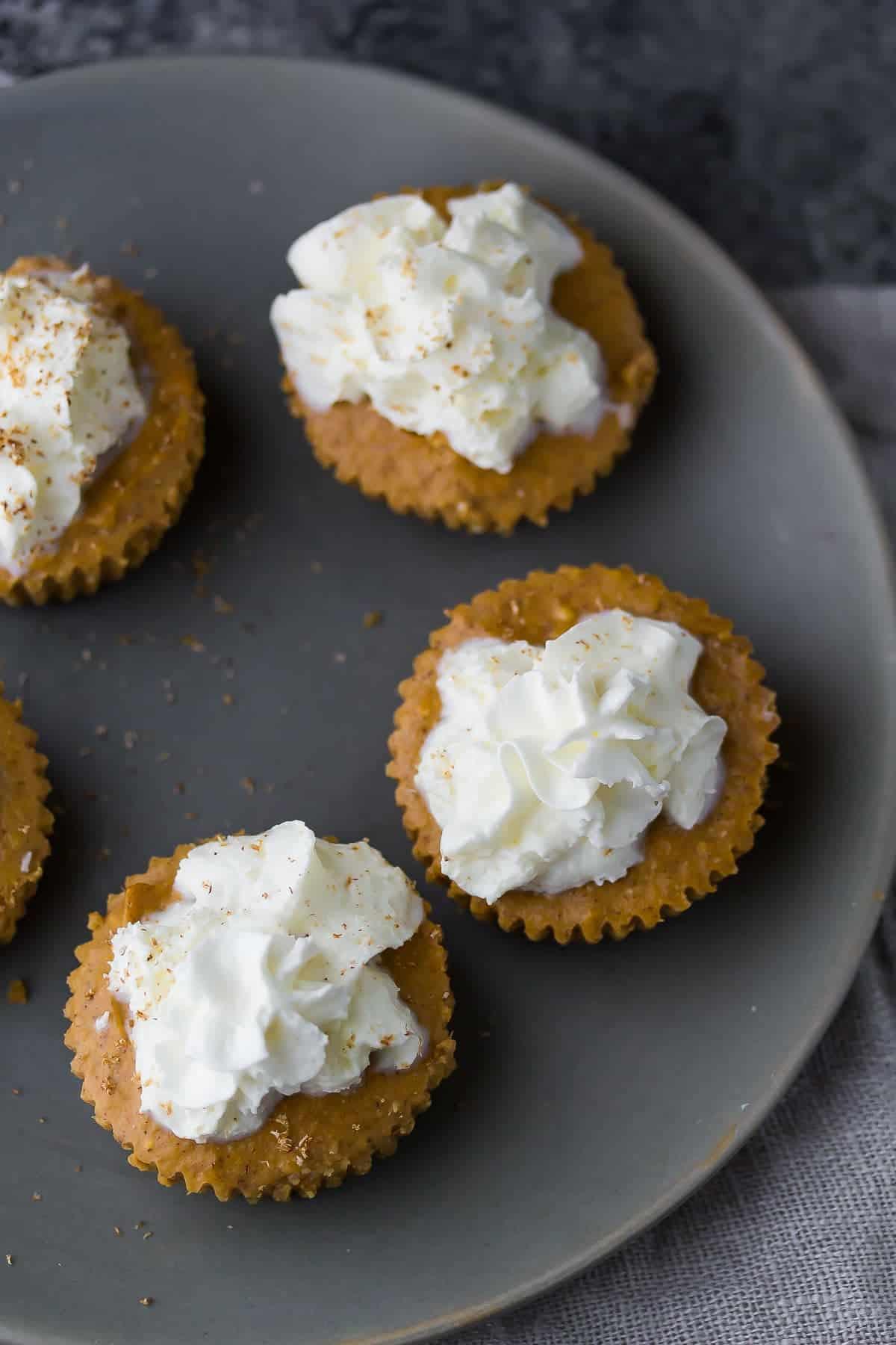 Mini Pumpkin Greek Yogurt Cheesecake just 130 calories each!