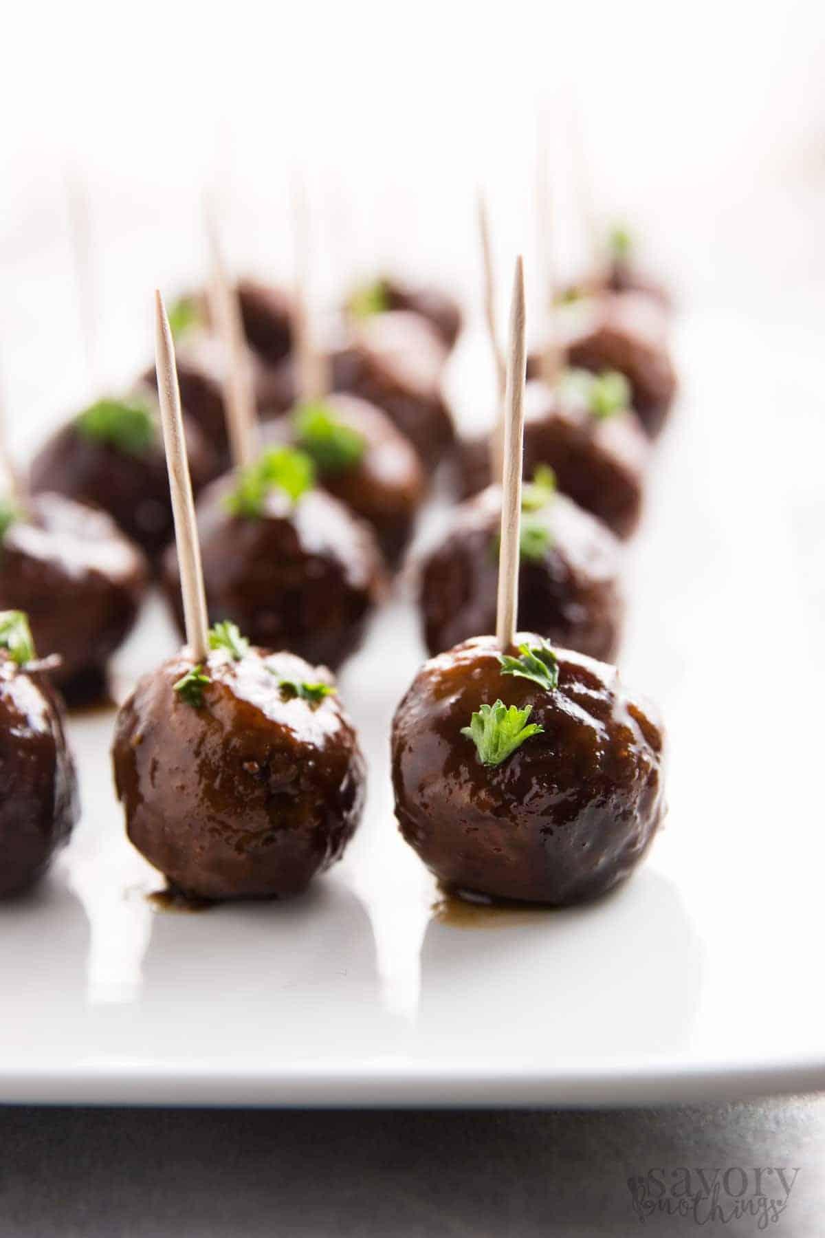 5-ingredient-cranberry-glazed-turkey-slow-cooker-meatballs-recipe-3