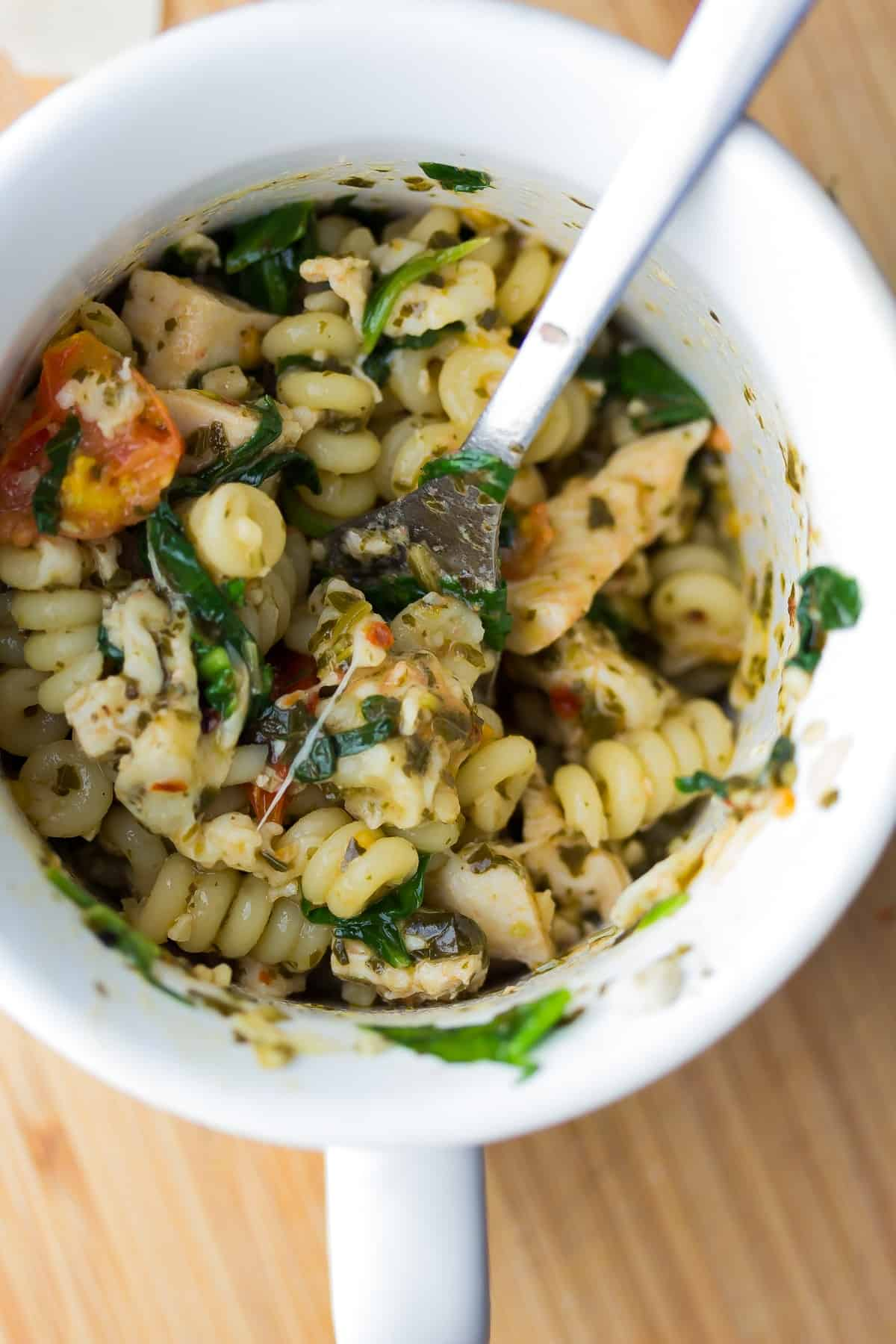This Pesto En Mug Pasta Cooks Up In The Microwave Under 10 Minutes For An