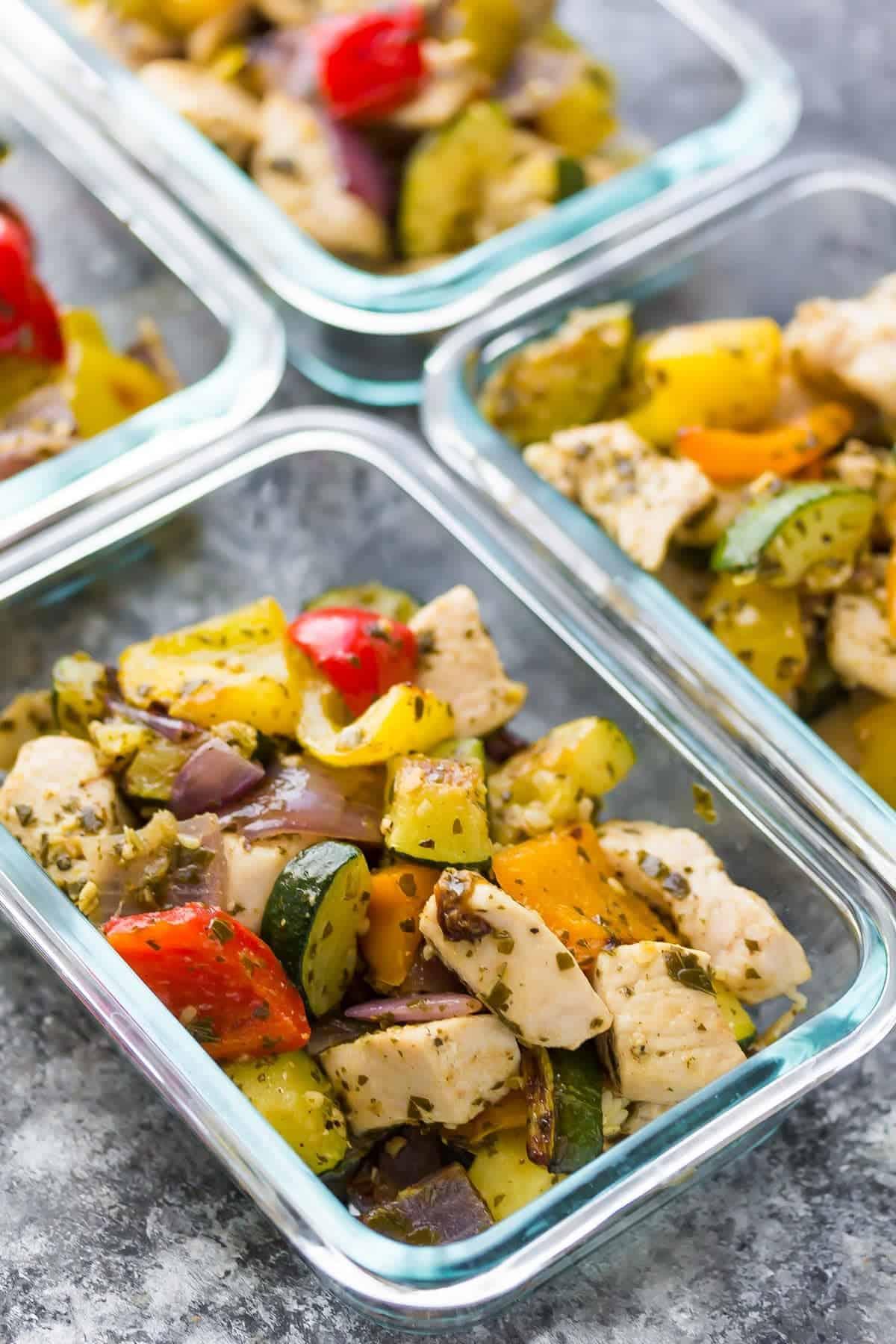 meal-prep-pesto-chicken-veggie-pitas-3