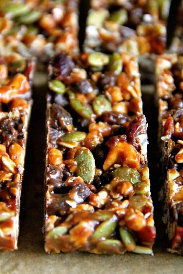 No-Bake-Trail-Mix-Granola-Bars2