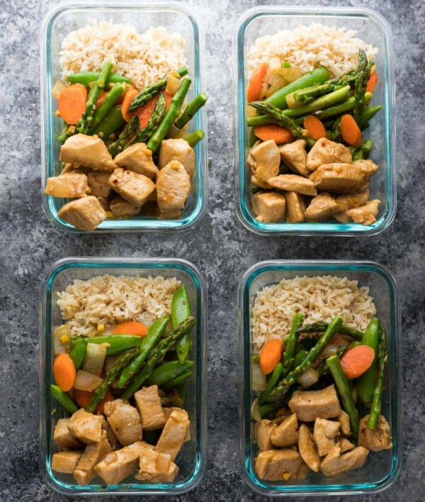 Easy lunch meal prep ideas will keep you from getting bored! Tons of work lunch ideas that you can make ahead and enjoy through the week.