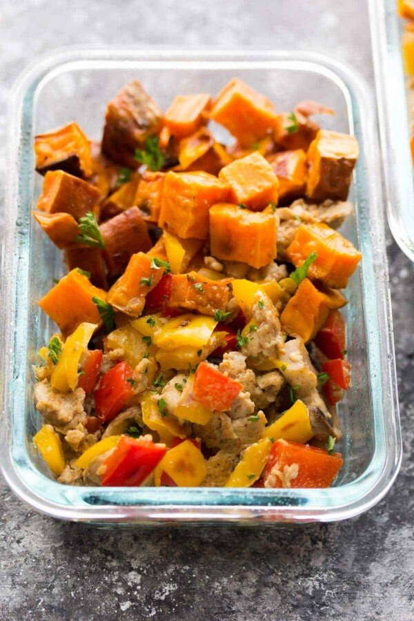 Make these sweet potato breakfast meal prep bowls ahead of time and you'll be rewarded with four delicious, veggie-packed breakfasts waiting for you in the fridge.
