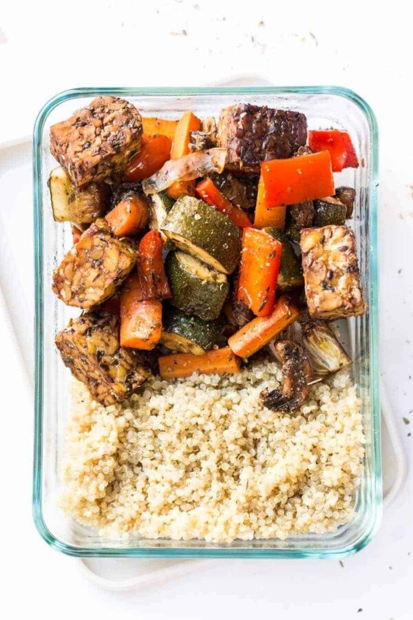 Vegetarian meal prep recipes- spend some time prepping these recipes on the weekend and you will have healthy meals for the whole week!  Vegetarian meal prep lunches and dinners.