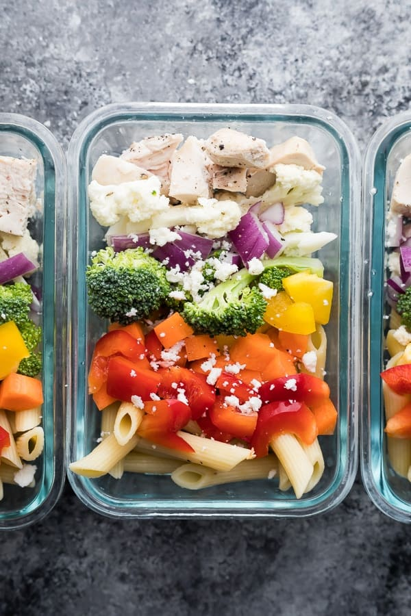 greek pasta salad recipe in meal prep containers