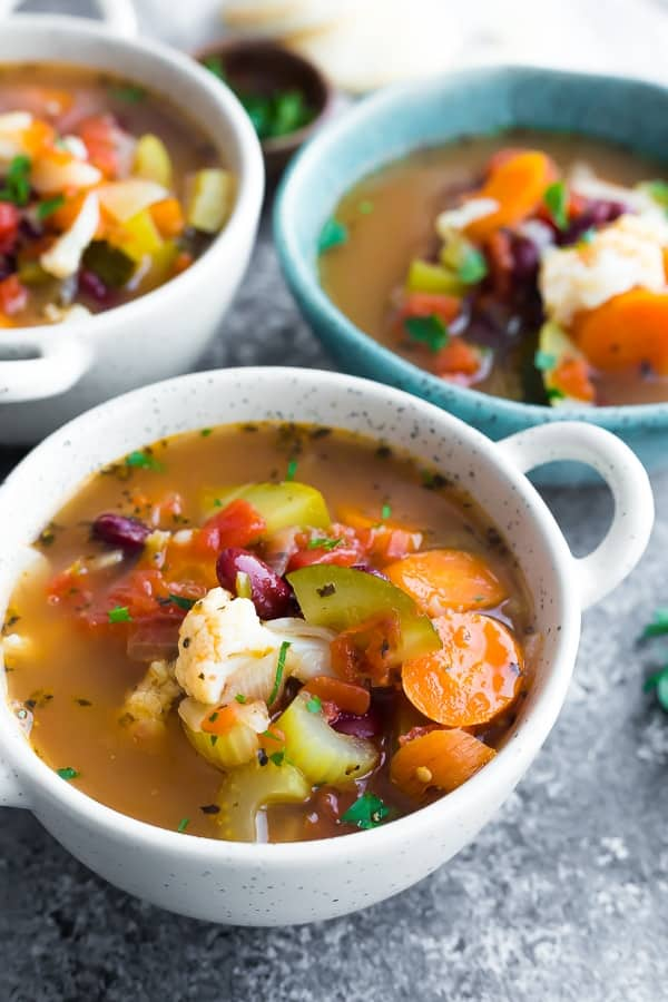 how to make vegetable soup: vegetable soup in three bowls