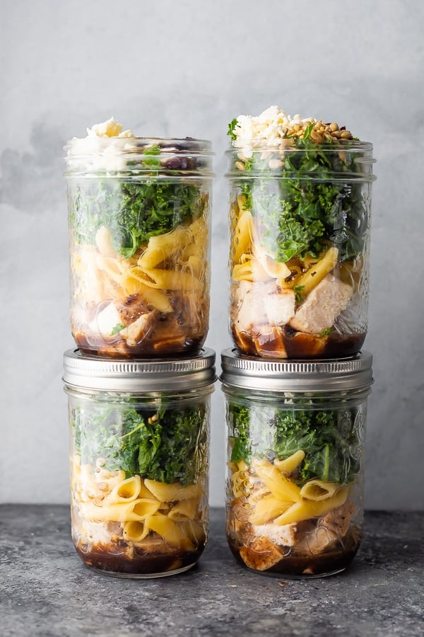 chicken pasta salad recipe in mason jars for meal prep