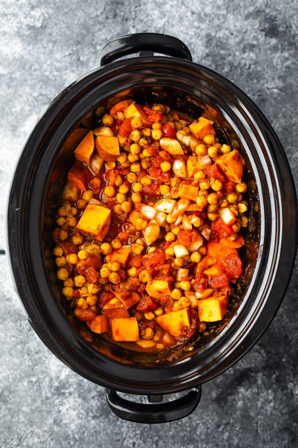 güveç pot nohut biber pişirmeye hazır