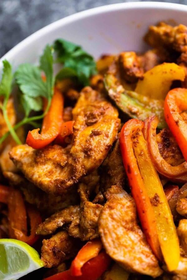 close up view of chicken fajita filling
