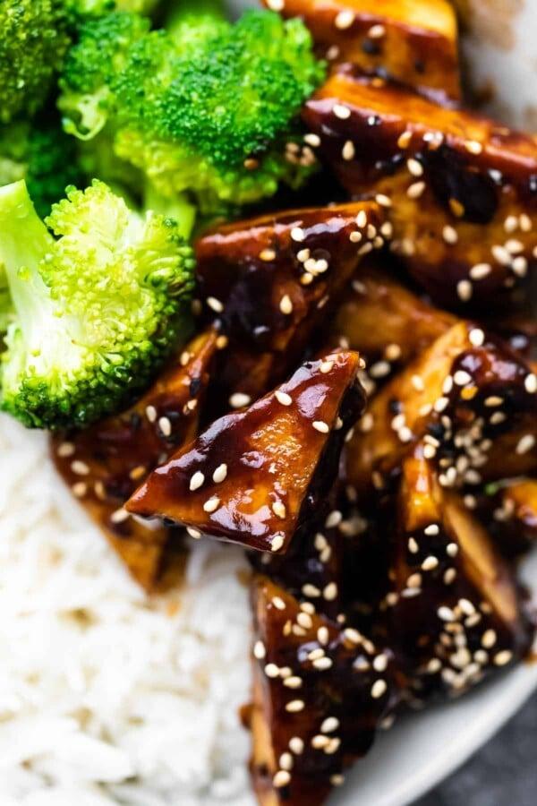 close up shot of teriyaki tofu