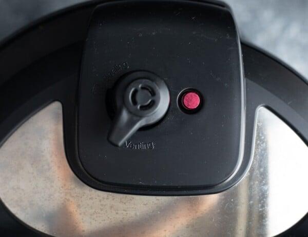 instant pot venting position