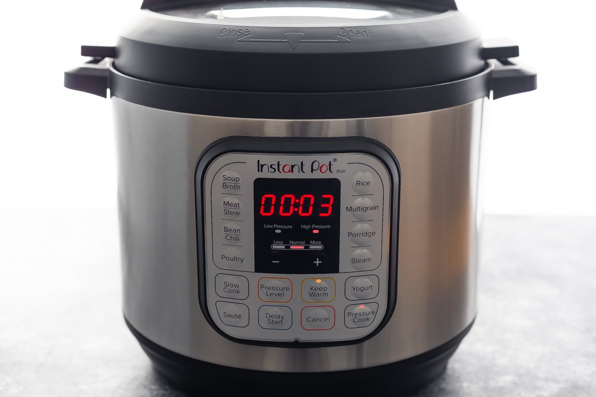 instant pot with 3 minutes on the timer
