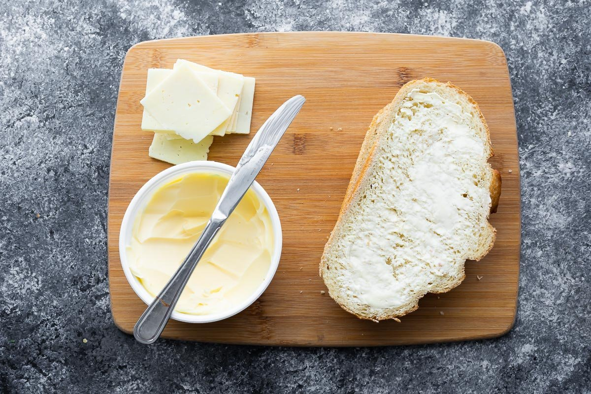 ızgara peynir - ekmek, peynir ve tereyağı yapmak için gerekli malzemeler