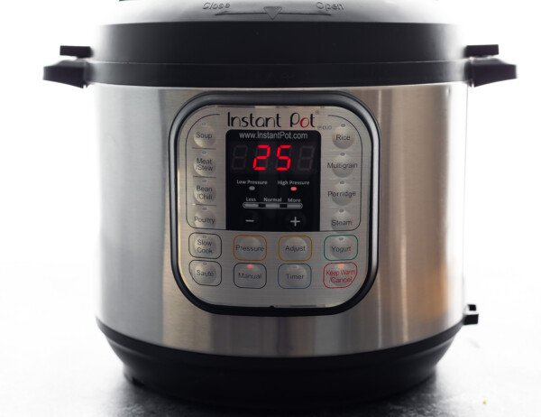instant pot with 25 minutes on the timer
