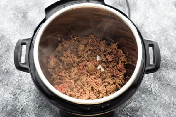 ground beef sauteeing in instant pot