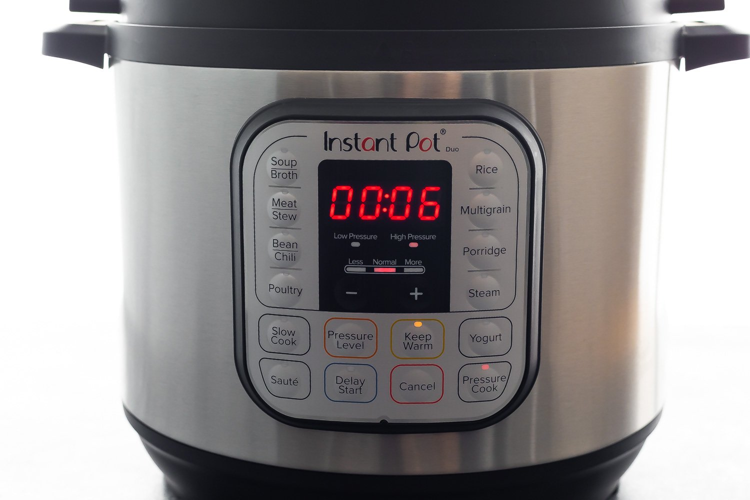 instant pot with 6 minutes on timer