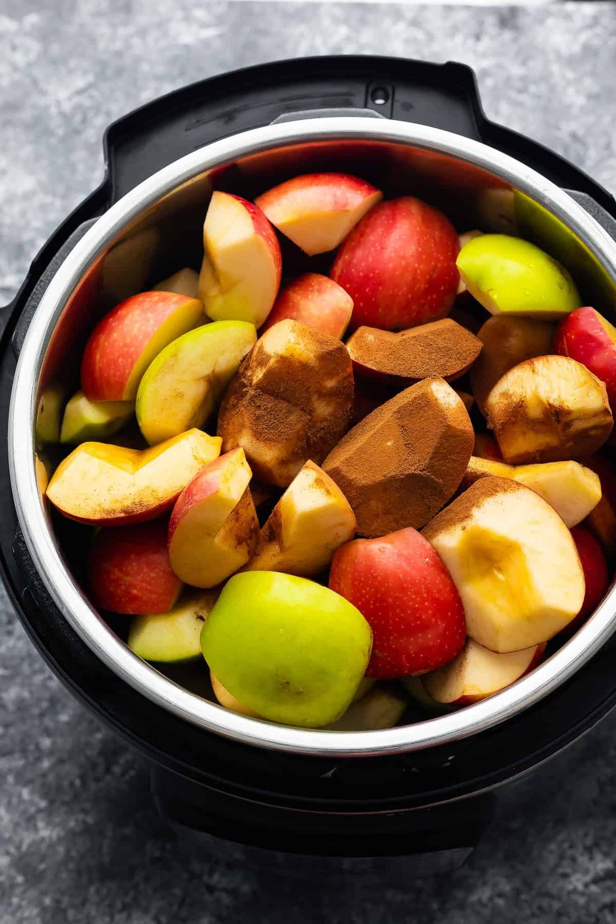 ingredients for apple butter in instant pot before cooking