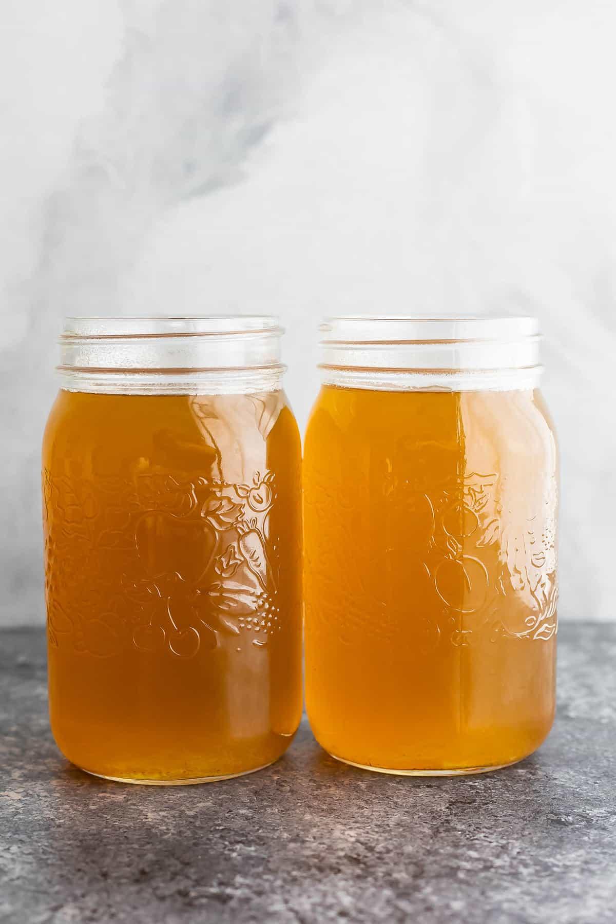vegetable stock in quart mason jars